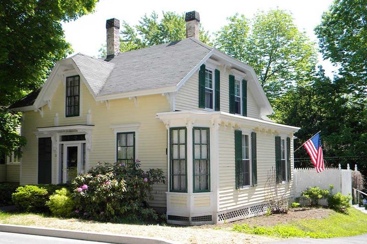 17 best images about historic houses for sale on pinterest for Large victorian homes for sale