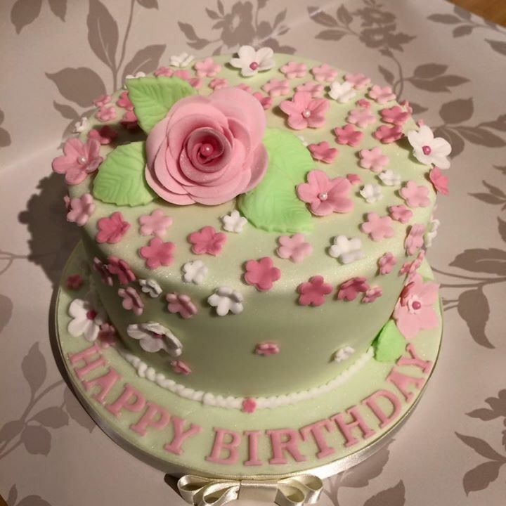 Pretty flower cake. Green and pink. Happy birthday  My cakes ...