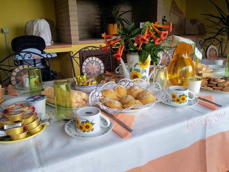 Colazione in #veranda  Bed and Breakfast Le Ginestre - #Sardegna #Sardinia