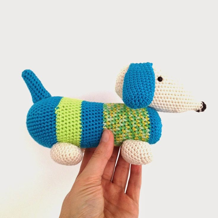 Crocet Dachshund (with link to pattern)