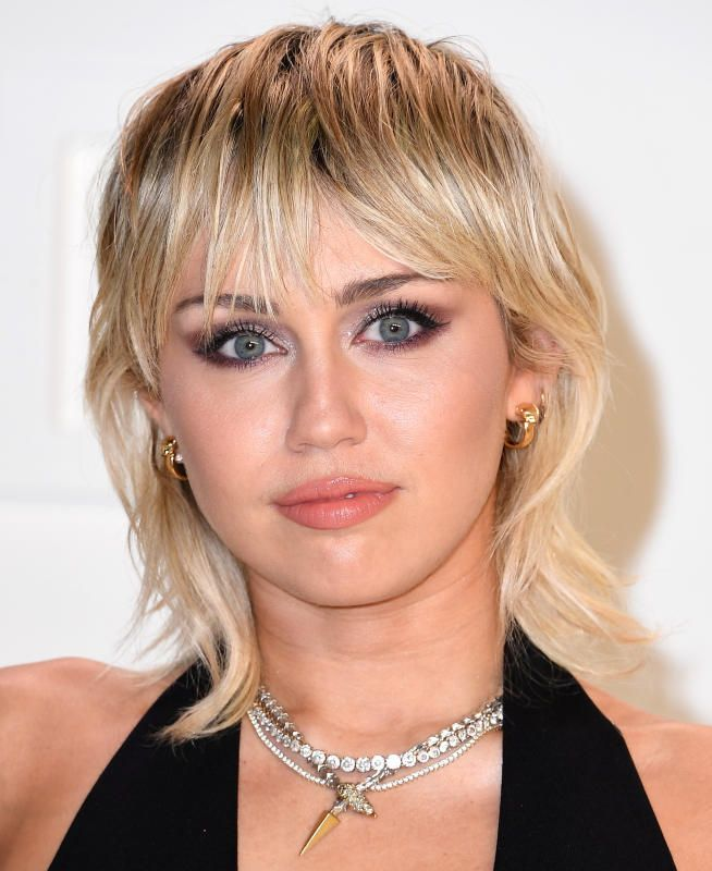 Miley Cyrus Mullet Hair Celebrity Hair Transformations Of 2020 New Haircuts Dye Jobs Wild Hairsty In 2020 Miley Cyrus Short Hair Miley Cyrus Hair Mullet Hairstyle