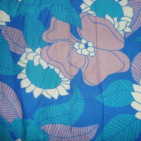 Retro Danish quilt from the 60s. #trendyenser #retro #danish #quilt #1960 #vattæppe SOLGT/SOLD on www.TRENDYenser.com.