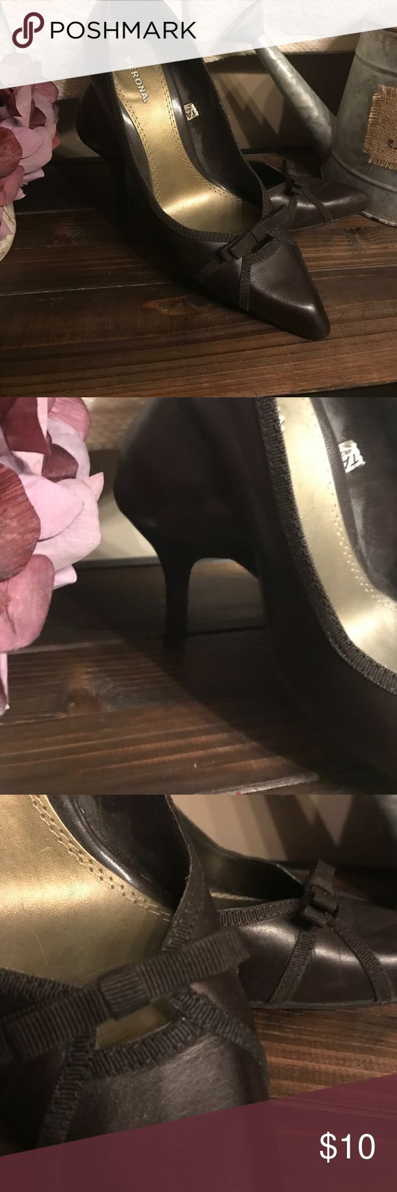 Merona brown bow pumps Worn a couple of times but I'm cleaning out my closet and it didn't make the cut. Merona Shoes Heels