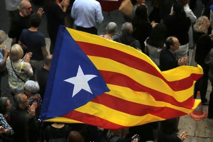 The Latest: Lawyer says Catalan leader wouldn't fight arrest A lawyer for ousted Catalan President Carles Puigdemont says his client will not be seeking asylum in Belgium and intends to cooperate with Belgian police and judicial authorities, if necessary. A Spanish prosecutor asked a judge in Madrid on Thursday to ...