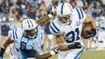 Colts fan performs great dance-along behind Titans cheerleader | Shutdown Corner - Yahoo Sports
