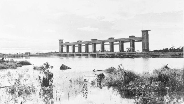 Bendungan Pintu Sepuluh Kota Tangerang Tahun 1915-1925