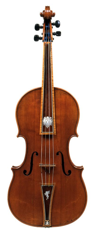 The 1690 viola is a rare tenor that has never been reduced in size. Its contralto partner went missing from the Medici inventories in the 1770s, when it appears to have left Florence