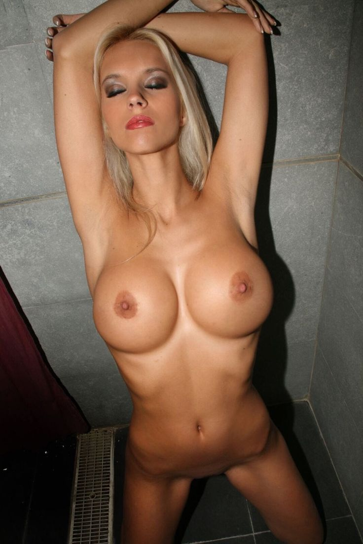 Girls hot sweaty nude