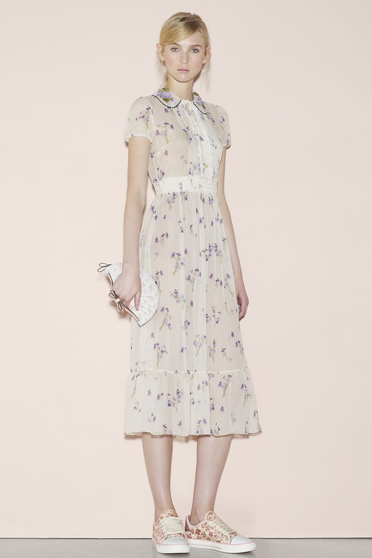 Red valentino spring readytowear fashion show spring chang