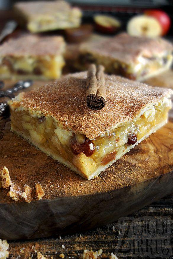 Gedeckter Apfelkuchen mit Knusperdecke
