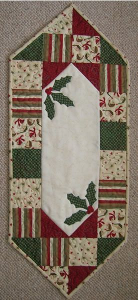 free to use christmas quilt table runner images