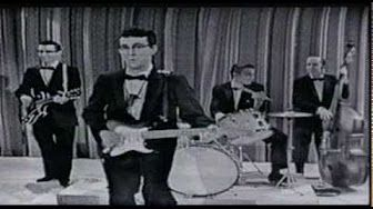 109 GREATEST ROCK SONGS Chuck Berry - Johnny B. Goode - YouTube