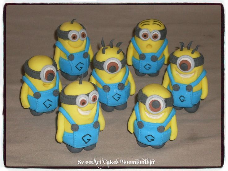 FONDANT MINIONS Visit our website:  Sweetartbfn.wix.com/home  For more information & orders email SweetArtbfn@gmail.com or call 0712127786.