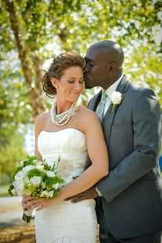 Black & white dating, mixed race online dating site for black women dating white men or white women seeking black men. Join mixedmatching.com free  today!