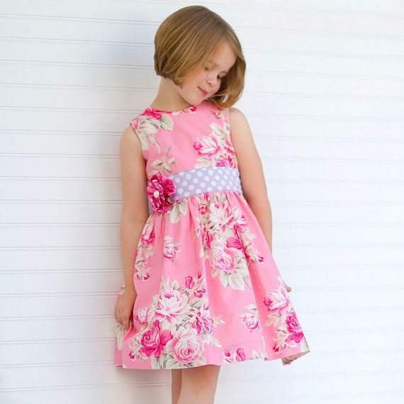 Classic Girls Dress Pattern - Perfect Party Dress - Sewing Pattern for Dress with Sash - PDF op Etsy, 5,86 €