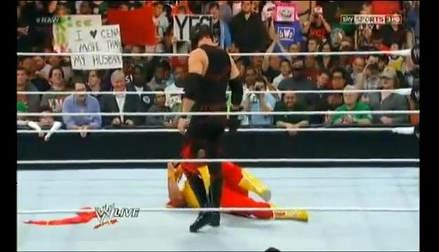Kane laying the smackdown on Hogan #wwe #raw