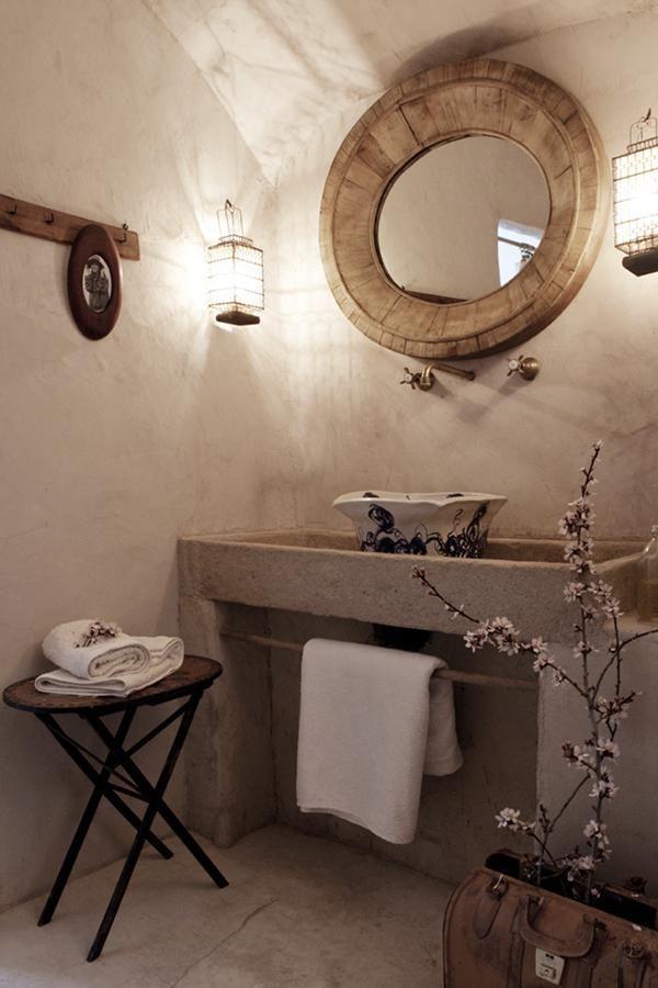 Suelo de madera antigua combinado con suelo de cemento. | Decorar tu casa es facilisimo.com