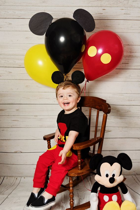 Mickey Mouse Party - Mickey Mouse Birthday ideas - Mickey Mouse Club House - Mickey Mouse Balloons - #EnvisionPhotographyByApril                                                                                                                                                                                 Más