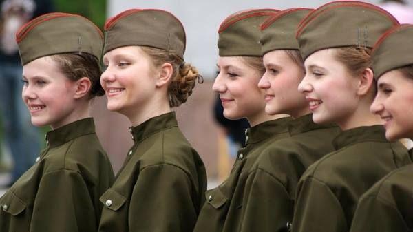 Russian army girls / Sniper / Black Beret.