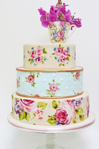 Hand-painted #wedding cake ideas: http://weddingandweddingflowers.co.uk/article/1183/hand-painted-wedding-cake-ideas