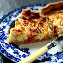 Découvrez la recette deQuiche A L'Oignon Et Lardons, Entrées à réaliser facilement à la maison pour 6 personnes avec tous les ingrédients nécessaires et les différentes étapes de préparation. Régalez-vous sur Recettes.net