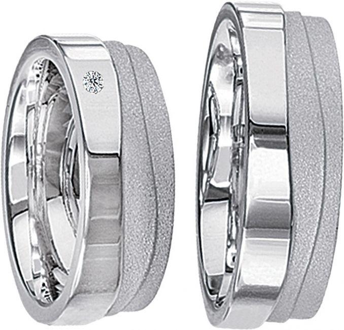 Goedkope Zilveren ringen kopen met diamant? Wij hebben momenteel met zilveren ringen een actie. Kijk voor al onze trouwringen prijzen op www.trouwringenvoordeel.nl - € 229,95