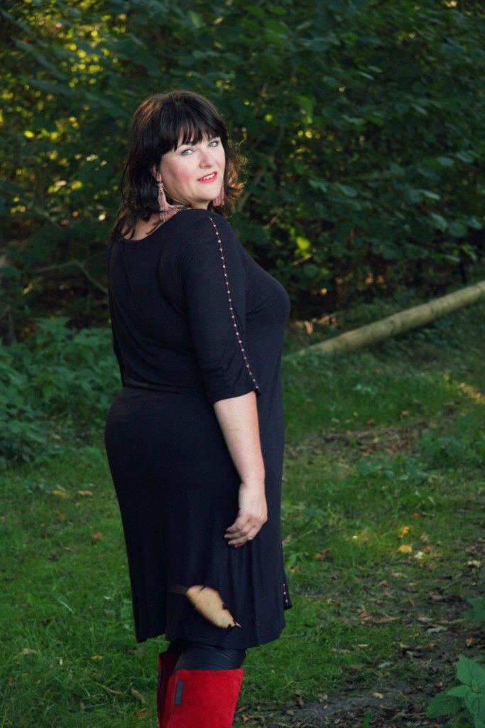 Gets fashion, grote maten mode, wondervolle mode, zwarte jurk