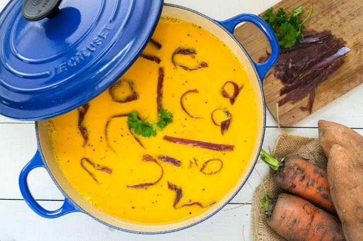 Zin in een hartverwarmende soep? Deze is zelfs heerlijk als ontbijt! Wat heb je nodig voor 4 porties? 8 wortelen in stukjes 1 ajuin grof gesneden 1 prei grof gesneden (enkel het wit) 1 zoete aardappel in stukjes gesneden 2 sinaasappel (enkel het sap) saffraandraadjes 2 liter groentenbouillon 120 g bresaola (of ander gerookt rundsvlees), [...]