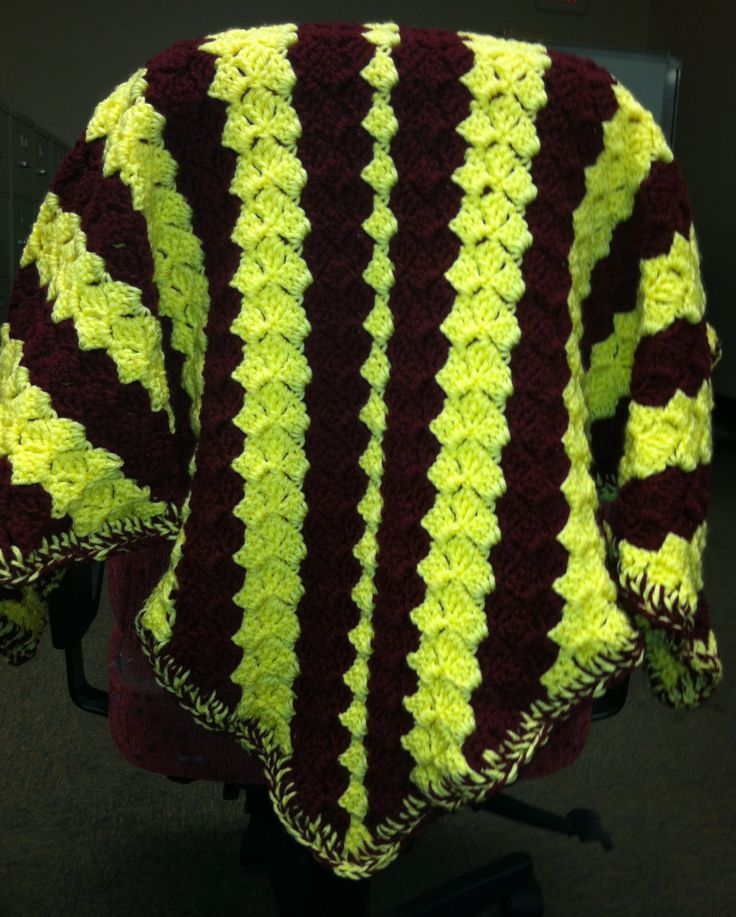 C2C crochet blanket. I have to make one in these colors for my husband ...