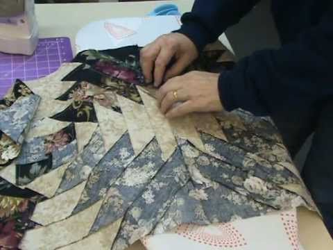 Tutorial video pineapple quilt using jelly roll strips Excelente tutorial. Gracias.