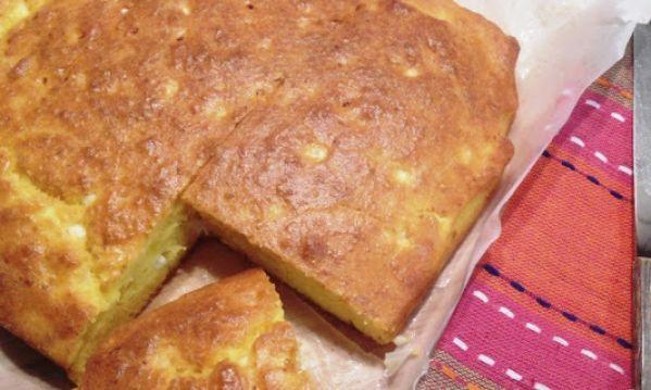 Συνταγή για μυρωδάτη τυρόπιτα με αλεύρι καλαμποκιού!
