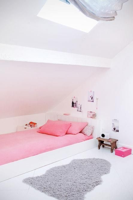 09 attic blush and pink girl's room - Shelterness