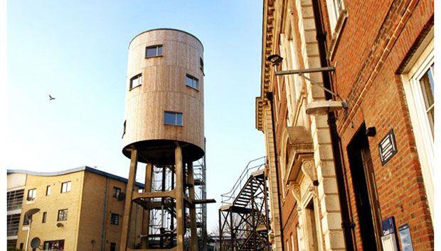 6 extraños hogares sustentables alrededor del mundo- Casa Torre de Agua en Londres