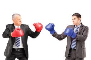 Konflikt-Management zählt zu den Schlüsselqualifikationen im Arbeitsalltag. Kein Wunder, kosten Konflikte auf beiden Seiten Nerven und Geld, beim Arbeitnehmer und beim Arbeitgeber! Doch das ist den Wenigsten bewusst: Es beginnt mit kleinen Unstimmigkeiten und zeitweisen Streitereien und endet – wenn nicht rechtzeitig eingeschritten wird – mit handfesten Konflikten oder, manchmal noch schlimmer, mit sogenannten kalten Konflikten.