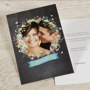 Met één blik op dit romantische bloemenkrans bedankkaartje komt jullie geweldige huwelijksdag weer helemaal naar boven! Geef deze mooie kaart aan al je vrienden en familie | Tadaaz #herinnering #aandenken #huwelijk #trouw #foto #assortiment #tekstje