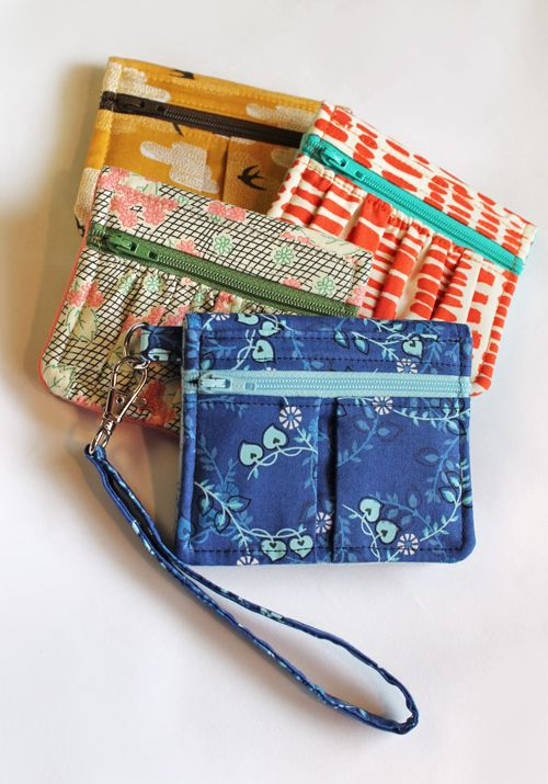 A cute wallet pattern to sew | How About Orange Pattern by Erin Erickson; fabric from Fresh Modern Fabric; sewing by my mum!