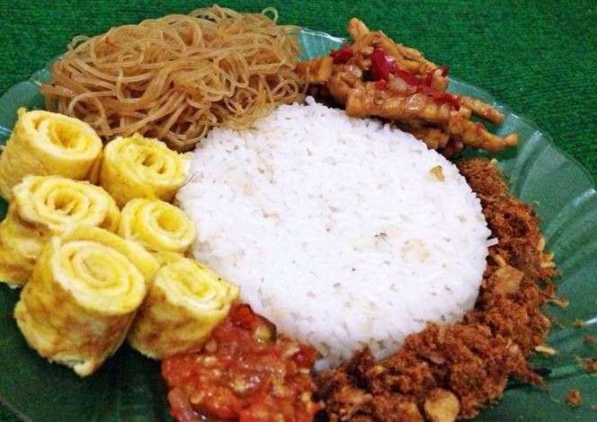 Sarapan nasi uduk