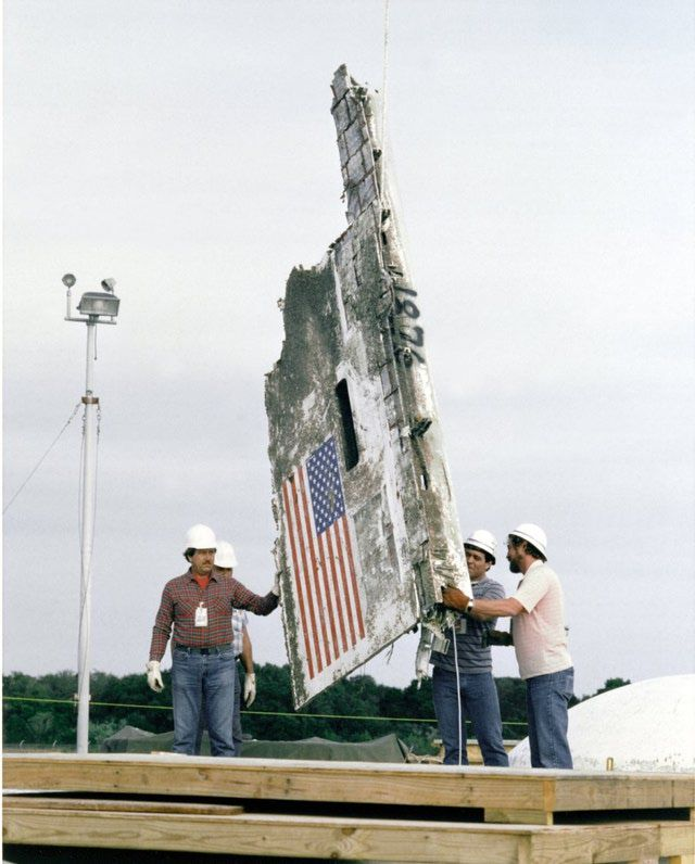 Space Shuttle Challenger Disaster Pictures Gallery: Space Shuttle Challenger Wreckage Entombment