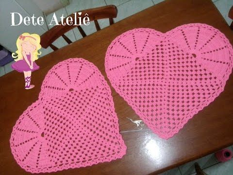Neste vídeo você irá aprender a fazer um lindo tapete coração em crochê, com dica de como emendar seu trabalhinho sem nós. Fanpage: https://www.facebook.com/...