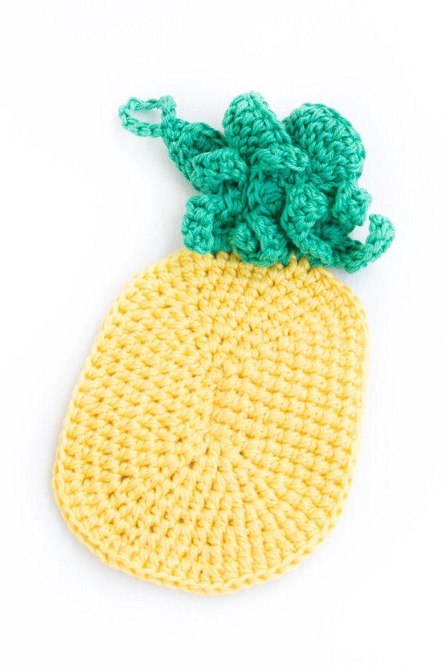Du liebst Ananas und den Sommer? Dann ist der Ananas Topflappen genau das Richtige für deine Küche! Ich habe ihn mit Liebe für dich gehäkelt! - crochet ananas