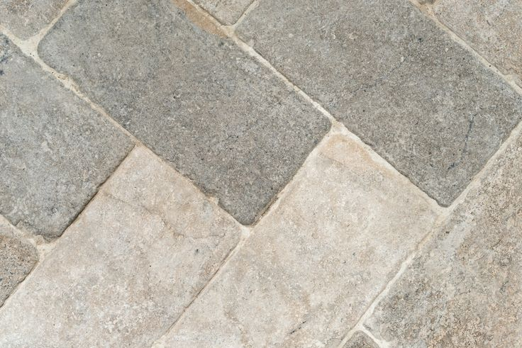 Grey limestone cobbles floor