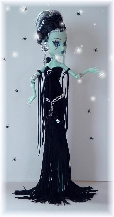 Frankie!  CUSTOM BLACK VELVET SPOOKY MORTICIA DRESS** FITS MONSTER HIGH DOLLS