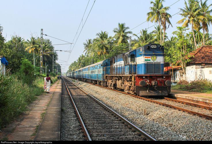 RailPictures.Net Photo: 14147 Indian Railways WDM-3D at Thiruvananthapuram, India by Jayrailfotographia