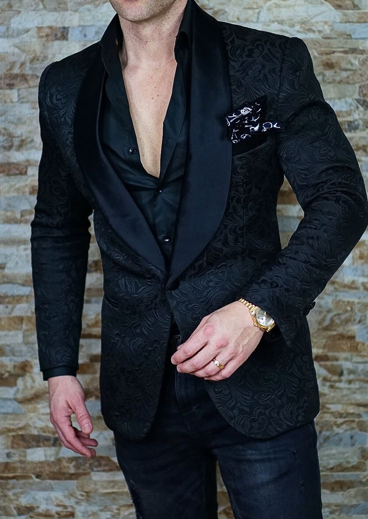 Get this killer S by Sebastian Black Paisley Dinner Jacket with our FREE Sebastian Cruz Couture Handmade Pocket Square Today! First time customer? Use coupon code: MYGIFT
