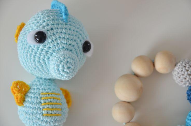 Crochet seahorse and teething circle  www.hackovane.sk