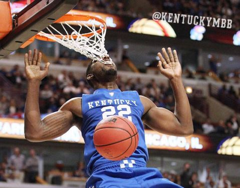 Kentucky's Alex Poythress Gets Tooth Stuck In Net During Alley-Oop