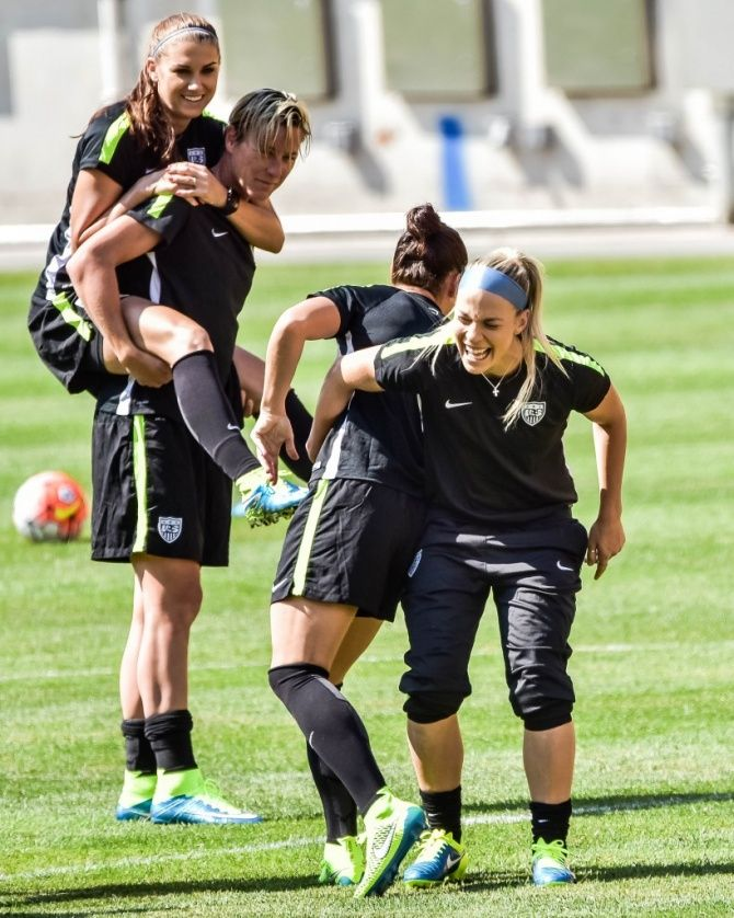 Alex Morgan, Abby Wambach, Ali Krieger, Julie Johnston, Heinz Field training, 2015 Victory Tour. (Jay Pike/AliKrieger. com)