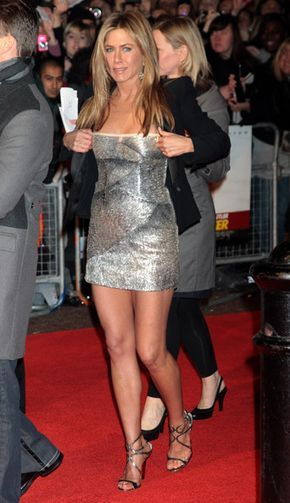 Jennifer Aniston Photos - Jennifer Aniston attends the UK premiere of The Bounty Hunter held at The Vue West End on March 11, 2010 in London, England. - The Bounty Hunter: UK Film Premiere - Inside Arrivals