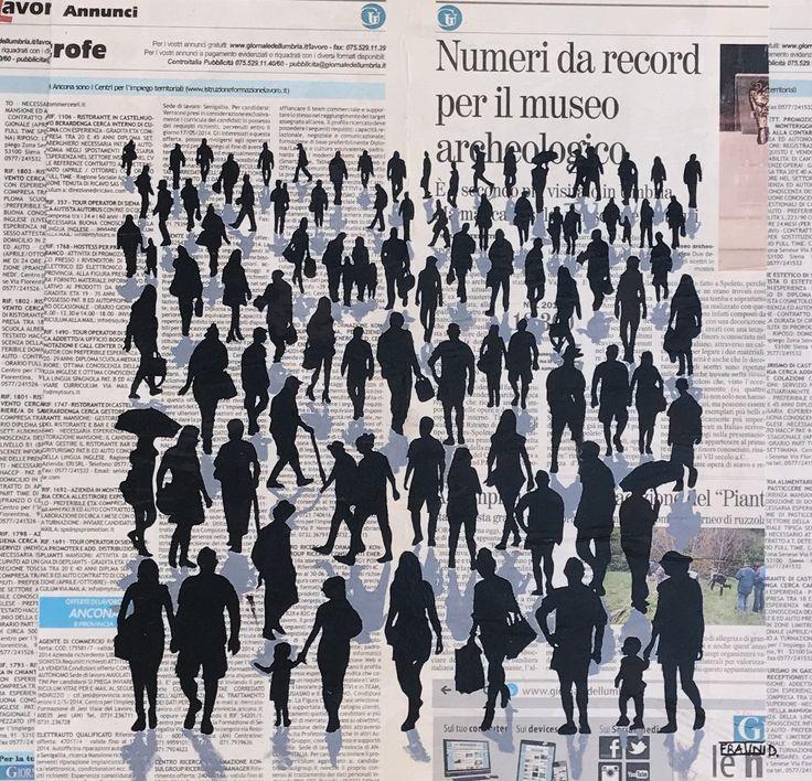 LA STRADA PER IL MUSEO Acrilico su tela con Giornale 40x40 By Daniele Fratini