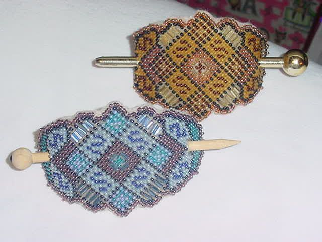 Seed beads and plastic canvas (with tute) - JEWELRY AND TRINKETS